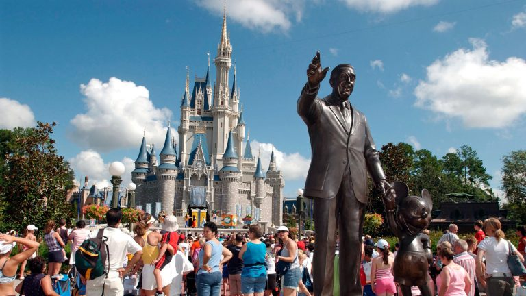 Dos parques de Disney World reabren en medio de la pandemia